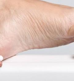 香港脚的治疗 保持脚部干爽就是对付霉菌的好方法