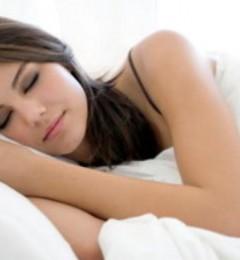 晚上习惯性关窗睡觉 疾病悄悄爬上来……