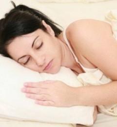 """半夜睡醒突然四肢动弹不得,但意识很清醒 """"鬼压床""""来了?"""