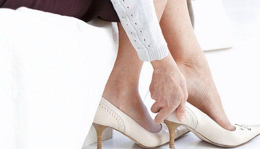 拇趾外翻起因遗传和肌肉无力 与穿高跟鞋无关!