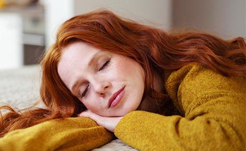褪黑激素分泌减弱 导致人体睡眠质量欠佳