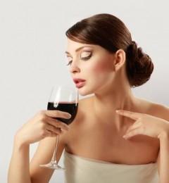 长期喝红酒 给女性身体带来的惊人变化