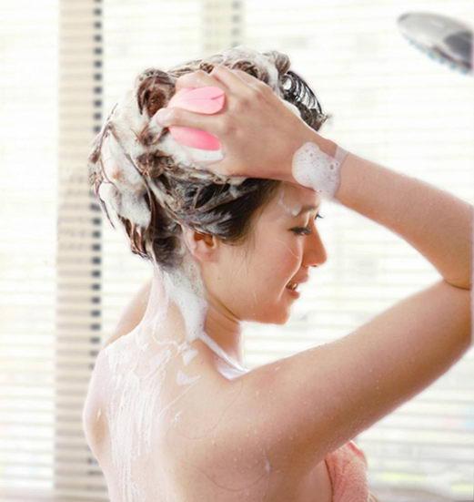 习惯早上起床后洗头 时间长了可能会导致偏头痛