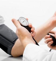 血压一高就吃降压药 为何身体越吃越差