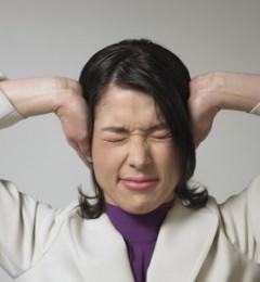 耳鸣非小事 可能由某种疾病引起