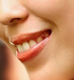 嘟着嘴也能表现感情 简单保养,好让嘴唇平安过冬