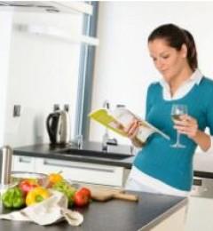进餐时注意使食物能够充分消化,才会有益健康