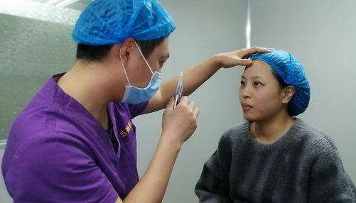 精雕大师严飞专业吗 武汉五洲整形美丽始于沟通,精于技术