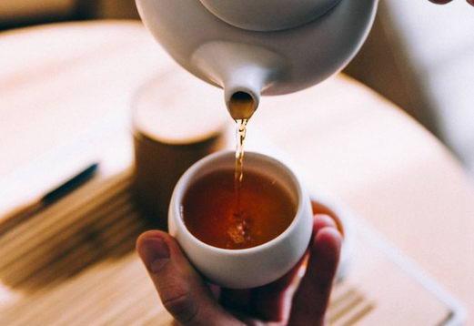 以茶代水不可取,患上肾结石风险高