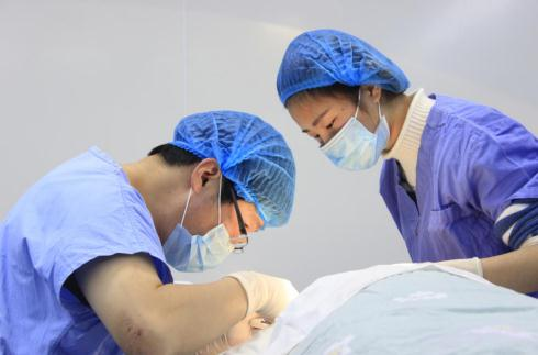 5项脂肪专利的脂肪专科医院高薪引进脂肪测量仪,科学测脂