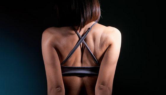 对抗颈肩酸痛 伸展肌肉好处多