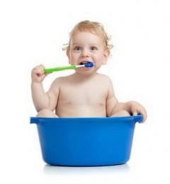 孩子齿歪影响发音 多是乳牙期清洁不当