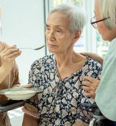 老年痴呆患经忘记吃饭 通过强化记忆治疗改善