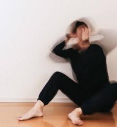 """生活中偶发""""眩晕""""症状 或是失眠、熬夜压力大导致"""