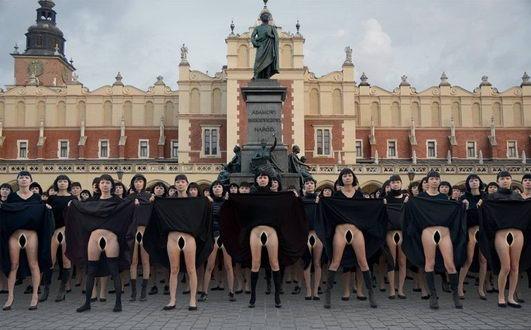 为什么要写《阴道史》 这个完美的姿态给予了女人勇气