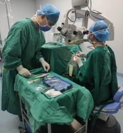 视力残疾几十年,角膜移植让贫困老人看到希望