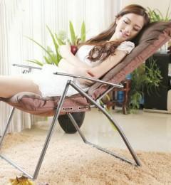 架�{双腿午睡 减少下肢静脉倒流 全身受益