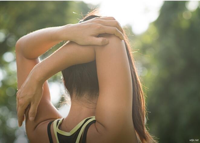 青少年颈椎间盘突出,或导致严重头痛