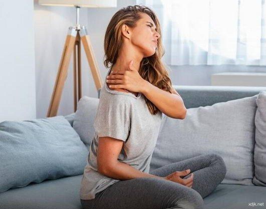 肩膀疼痛举不高 患上了肩夹挤症候群?