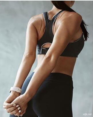 肩膀总是酸痛无力 3招伸展运动助缓解肩膀痛