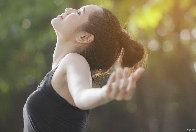 稳定紧张情绪时建议深呼吸的原因……