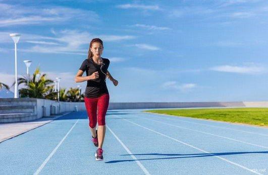 数据统计显示 规律的运动可降低1.5-2.4倍患心脏病的机会