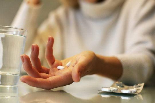 天天吃止痛药会产生什么副作用?