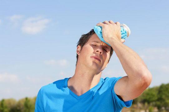夏季预防热伤害 不可等口渴才补水